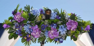 1_Silk-Arbor-Flowers-Purple-and-Blue-Big-Day-Weddings