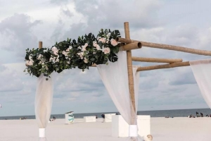 Silk-Arbor-Flowers-White-and-Blush-Big-Day-Weddings