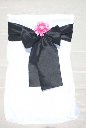 Black with Pink Daisy