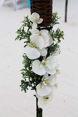 Big-Day-Weddings-Tiki-Torch-Orchids
