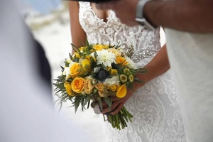 Bridal-Bouquet-Big-Day-Weddings-Yellow-White