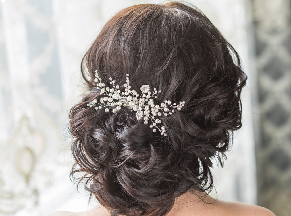 Beach wedding hair styles and accessories big day weddings big day weddings beach wedding hair 3 junglespirit Images